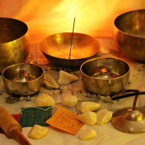 Singing Bowl Tibetian Sound Bowls Ayurveda Spa relax Massage beauty wellness Banita Tour recovery tibet Asia Therapy