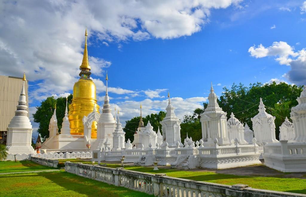 Wat Suan Dok in Chiang Mai Thailand Asia Banita Tour