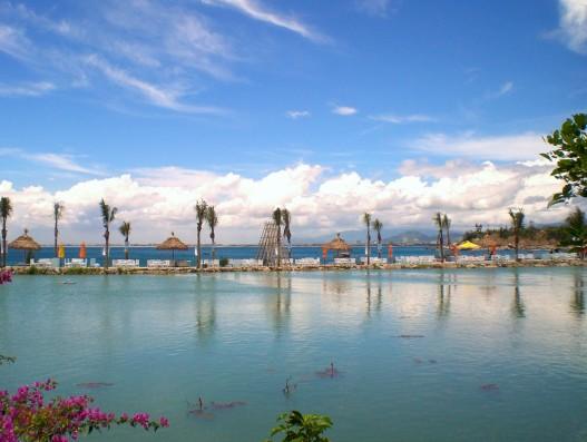 Bai_but_Resort,_Da_Nang,_Vietnam
