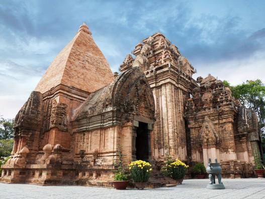 Po Nagar Cham Towers in Nha Trang, Banita Tour, tour Vietnam