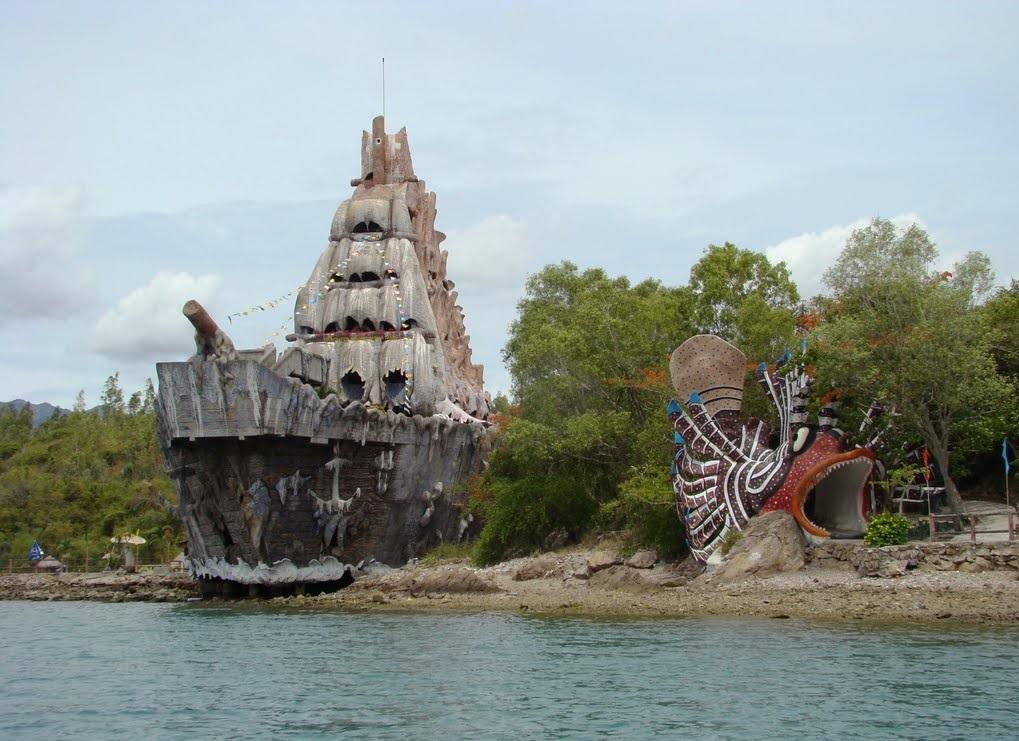 Tri Nguyen Aquarium on Mieu Island, Vietnam, Beach, Asia, Excursion trip, Banita Tour, vacation