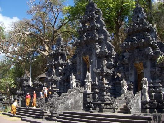 Bat Cave Temple (Pura Goa Lawah) Bali Banita tour