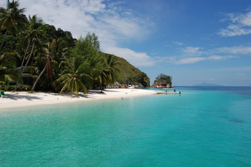 malaysia beach resort relax time langkawi banita tour operator