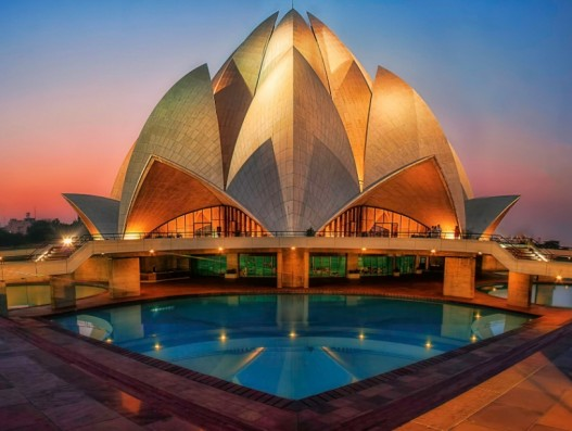 Lotus Temple New Delhi banita tour india